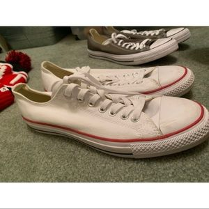 2 pairs of Men's converse size 9.5
